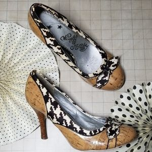 Naughty Monkey Cork and Houndstooth heels 8.5